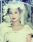 组图:赵雅芝早年婚纱照曝光 真的好漂亮