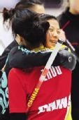 图文:中国体育健儿冰雪记忆 中国冰壶队姐妹情