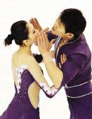 图文:中国体育健儿冰雪记忆 张丹张昊兄妹情深