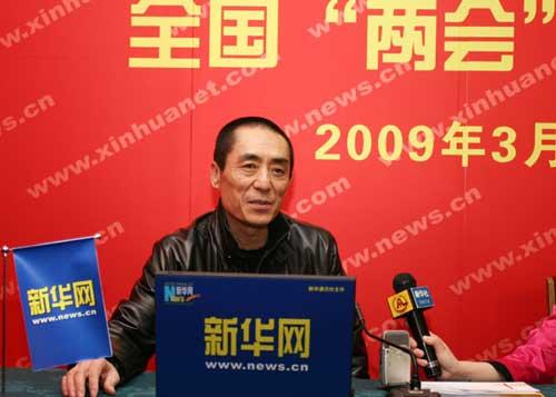 3月3日,全国政协委员张艺谋来到新华网两会直播间接受采访。新华网 马轶群