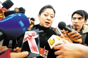 昨日,倪萍接受记者采访。本报特派记者 高科 摄