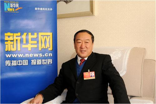 两会期间,全国人大代表、江西省委书记苏荣接受专访。本场访谈由新华网与搜狐网合作。新华网 倪宏摄