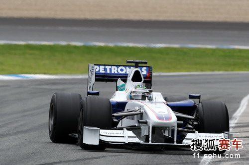 图文:F1赫雷斯试车第四日 海德菲尔德进行测试