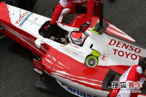 图文:F1赫雷斯试车第四日 特鲁利结束练习