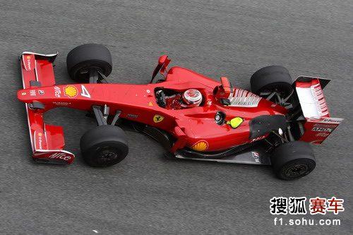图文:F1赫雷斯试车第四日 莱科宁在赛场上