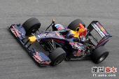 图文:F1赫雷斯试车第四日 韦伯进行测试