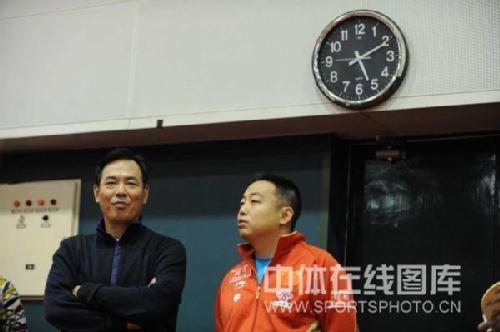 图文:总局领导关注选拔赛 蔡振华和刘国梁