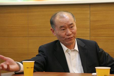 江淮汽车董事长左延安做客搜狐
