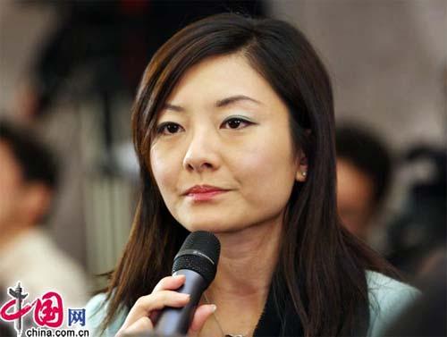 漂亮干练的美女记者(中国网 胡迪摄影)