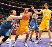 图文:[NBA]湖人擒森林狼 费舍尔球被盗走
