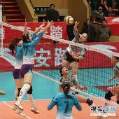 图文:天津女排3-1上海 霍晶王莉拦马蕴雯扣球
