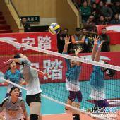 图文:天津女排3-1上海女排 马蕴雯扣球