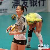 图文:天津女排3-1上海女排 马蕴雯笑容灿烂
