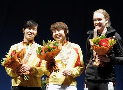 图文:世锦赛王濛500米夺金 站上最高领奖台