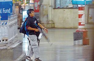 米尔-卡萨布是孟买恐怖袭击案中唯一幸存的枪手