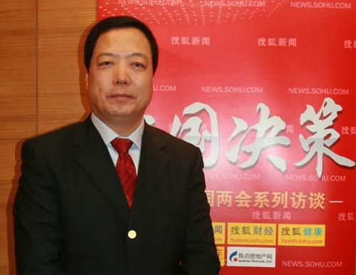 全国人大代表、天士力制药股份有限公司董事长闫希军