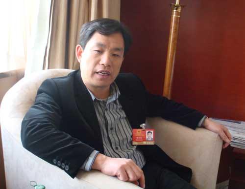 全国人大代表、湖南老百姓医药连锁有限公司董事长谢子龙
