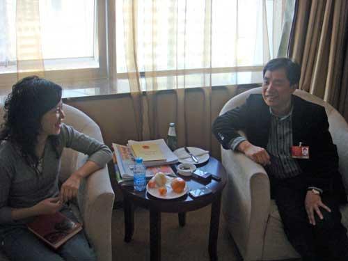 搜狐财经主持人采访人大代表