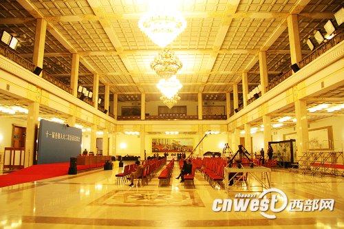 著名的人民大会堂金色大厅
