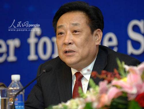 环保部副部长张力军回答记者提问