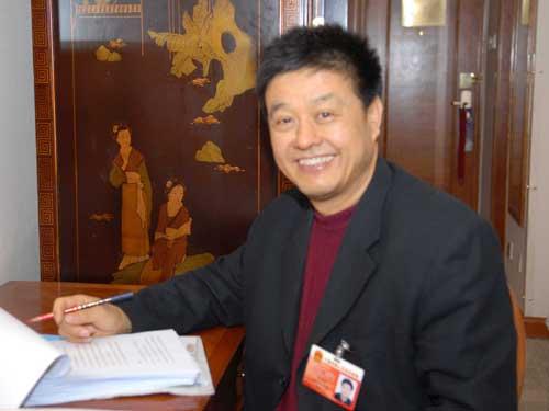 全国人大代表、浙江富润控股集团董事局主席赵林中