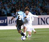 图文:[亚冠]川崎1-0泰达 托马西突破