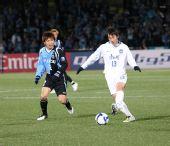 图文:[亚冠]川崎1-0泰达 王新欣传球