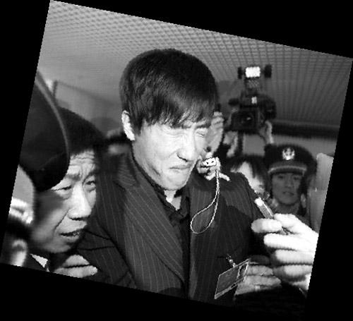刘翔被记者包围