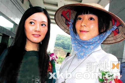 李丽珍(左)和张静初没有不和