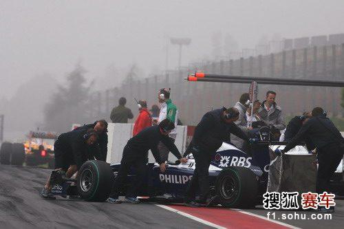 图文:F1巴塞罗那试车第四天 罗斯伯格结束测试