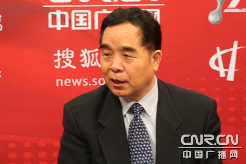 新闻出版总署党组书记、署长柳斌杰在访谈间