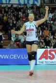 图文:诺瓦拉女排欧俱杯夺冠 冯坤庆祝胜利