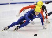 图文:短道速滑团体世锦赛决赛 韩国男队领先