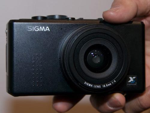 画质媲美单反 适马便携专业相机DP1上市