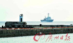 渔政311船首次在西沙海域执行维权护渔行动,截至下午7时,尚未发现外国侵渔船只。本报特派西沙记者刘幸摄