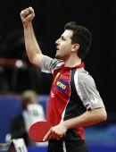 图文:乒乓球德国赛男单半决赛 波尔庆祝获胜