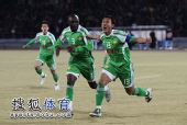 图文:[中超]北京3-1重庆 徐云龙庆祝破门