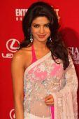 图:印度女星乔普拉大展异国风情