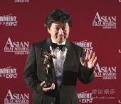 图:日本导演是枝裕和获得最佳导演奖