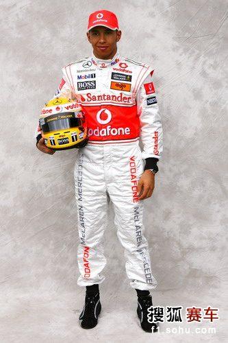图文:2009赛季F1车手肖像照 迈凯轮车手汉密尔顿