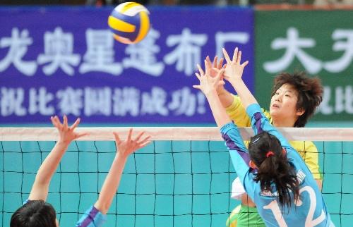 全运会女排预赛北京胜福建 福建队进攻