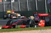 图文:09年F1澳大利亚大奖赛 汉密尔顿字比赛中