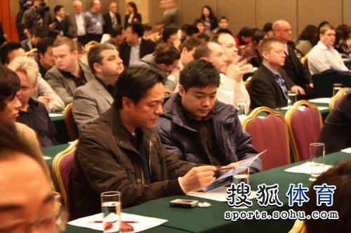 图文:斯诺克中国公开赛发布会 丁俊晖打起精神