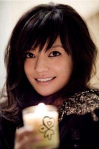 有传闻指,赵薇拍《少林足球》时,在片场被周星驰骂到哭。
