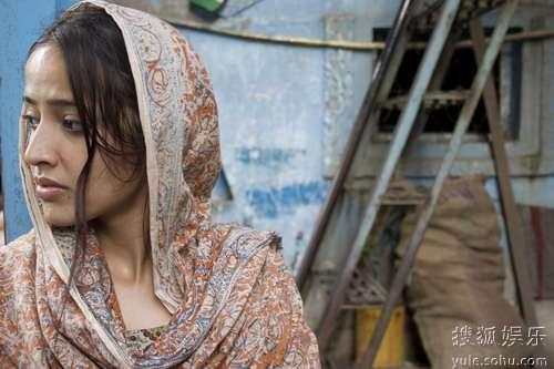 图:《贫民富翁》精美剧照- 美丽的印度少女