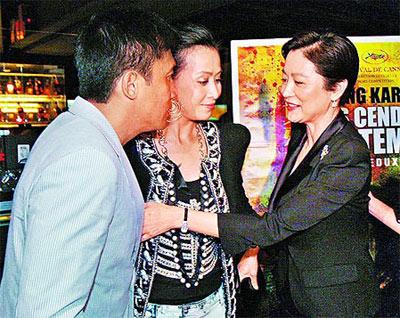 林青霞(右起)、刘嘉玲、梁朝伟前晚聚会很尽兴