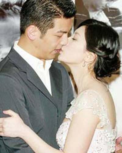 贾静雯和老公曾经甜蜜恩爱