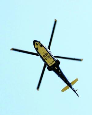 警用直升机首次投入清明交通指挥