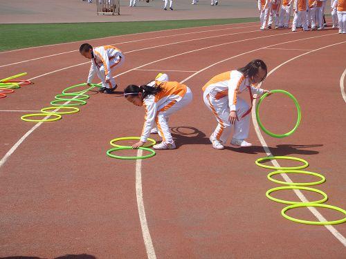 动态 张家港/图文:张家港开展阳光体育活动 孩子们比速度