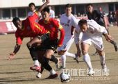 图文:[中超]长春2-0成都 迪马尔积极防守